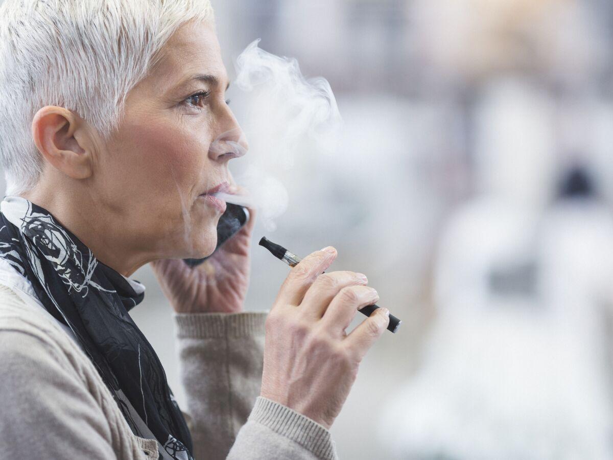 Vape o bec : vaper serait-il moins nocif que fumer ?